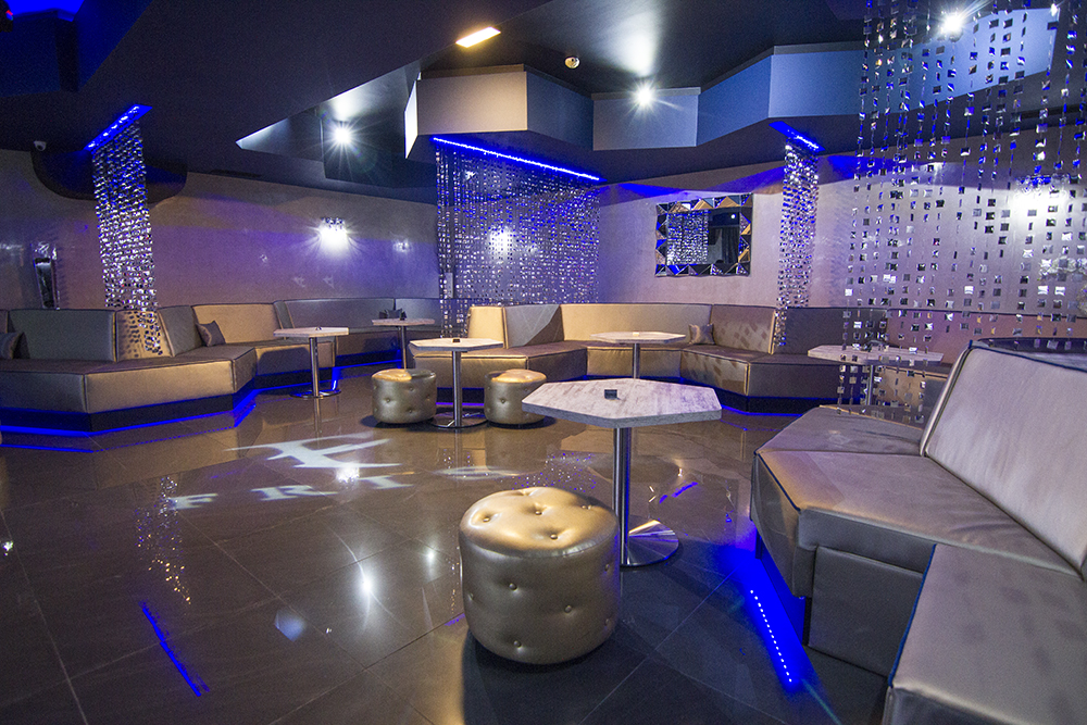 Interior photography: Music club & restaurant