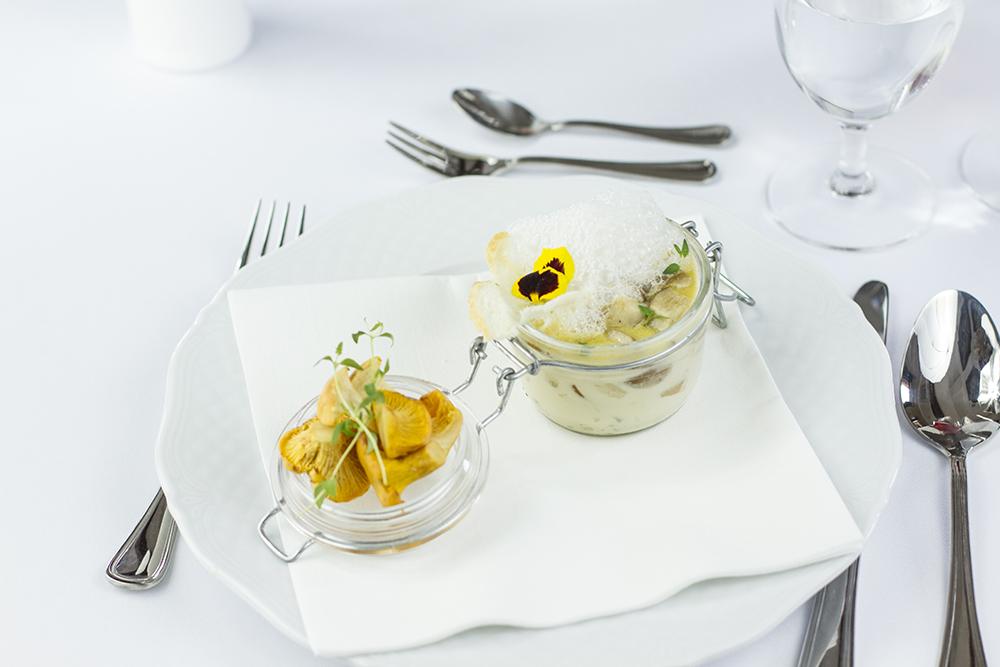 Food photography & styling: Mushroom soup