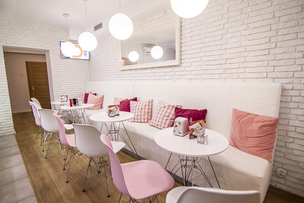 Interior photography: Cafeteria