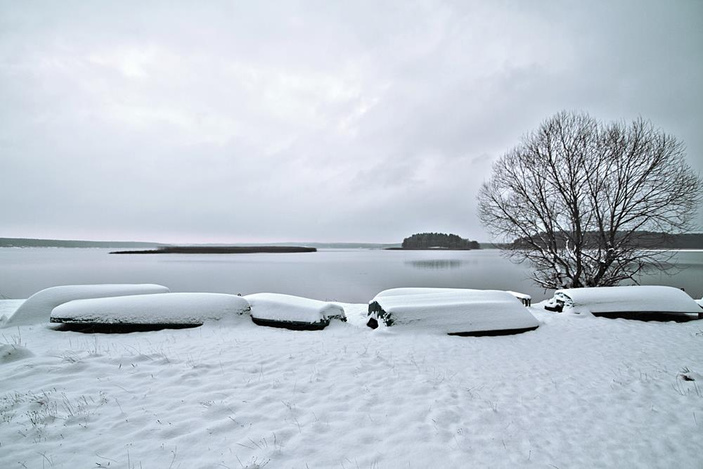 Landscape photography: Winter, snow and lake, northern Poland